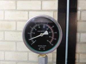 BMW Pressure gauge
